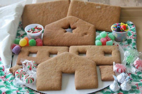 Complete Medium Gingerbread House Kit